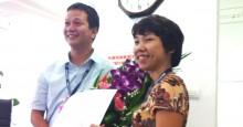TGĐ Nguyễn Việt Trung trao quyết định bổ nhiệm Phó TGĐ cho bà Đoàn Thu Trang