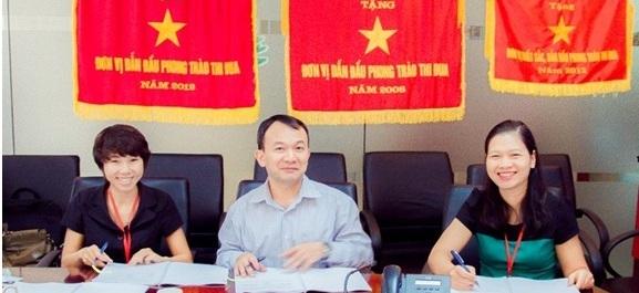 Từ trái qua phải bà Đoàn Thu Trang – Phó TGĐ MP Telecom, ông Nguyễn Thanh Tuyên phó vụ trưởng vụ CNTT của Bộ TTTT và bà Nguyễn Hương Giang – Đại diện DAS